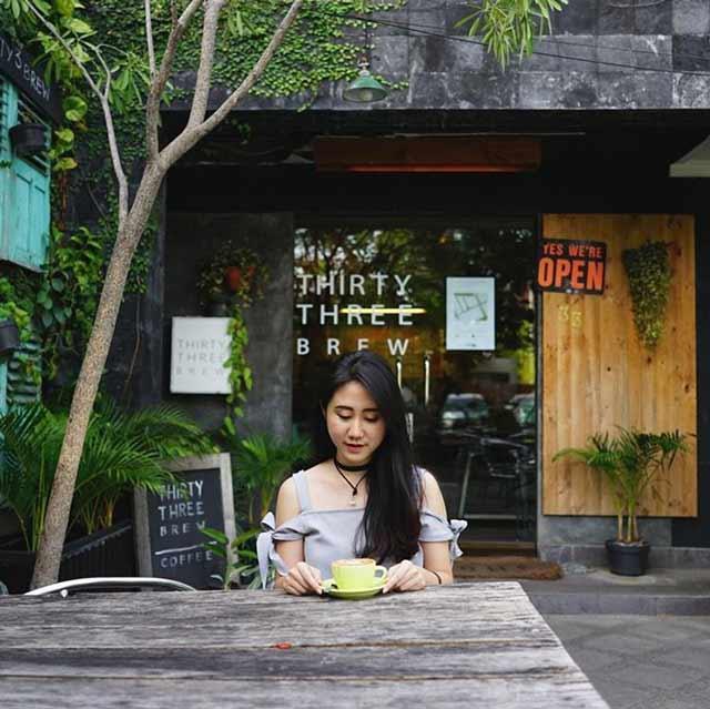Coffee Shop Instagenik Terbaik di Surabaya