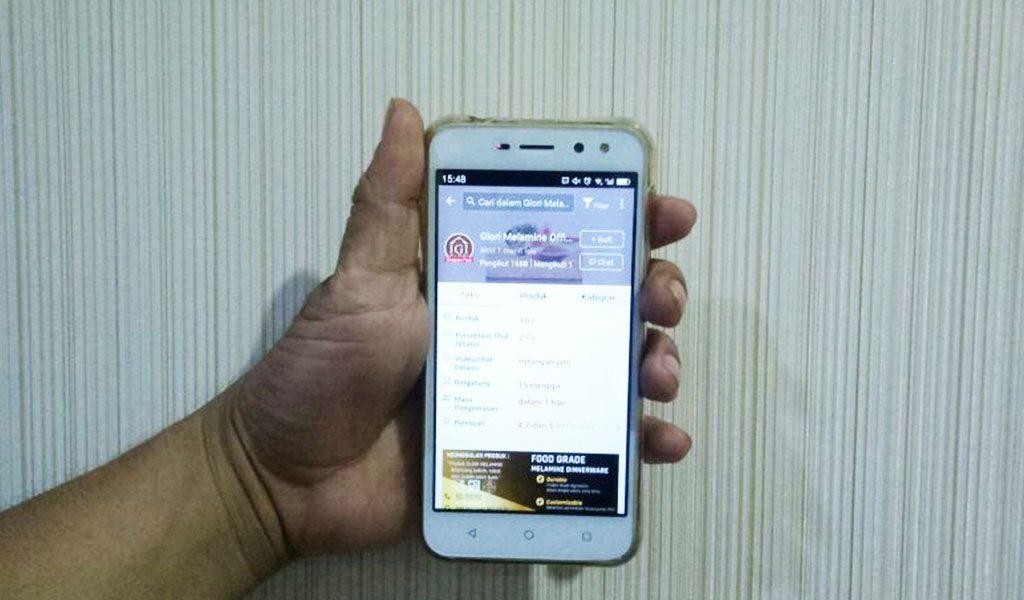 IGI-Glori-Melamine-di-layar-Handphone