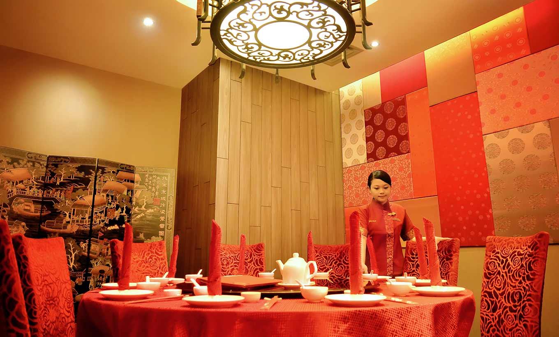 Rumah Makan Restoran Legendaris di Jakarta dan Sekitarnya yang Masih Aktif hingga Saat ini