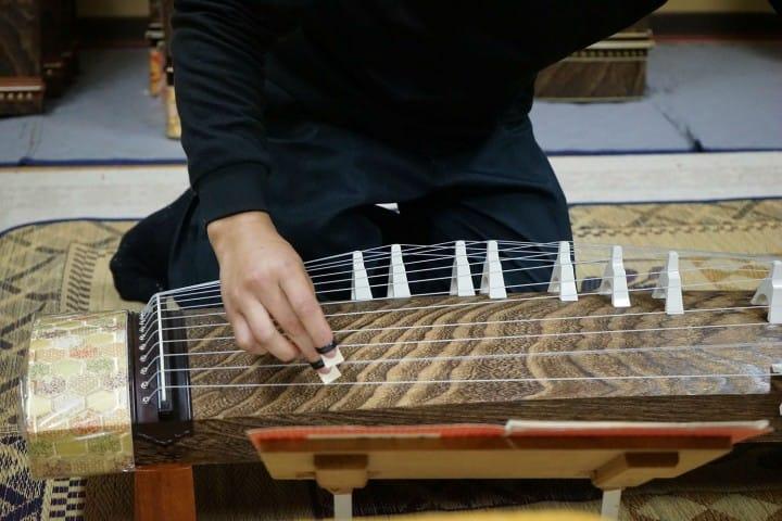 Pabrik Fujii Koto merupakan workshop pembuatan koto yang ada di dalam Kota Fukuyama. Koto yang dibuat di sini telah mendapat penilaian bagus untuk nada suara indah yang dihasilkannya serta kemudahannya saat digunakan.