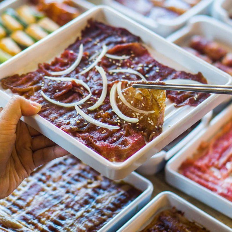 Piring Daging di Resto Ssikkek Korean BBQ Buffet Jakarta