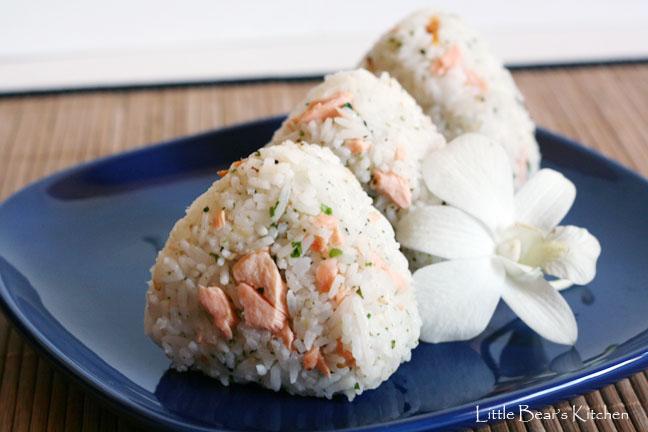Resep Masakan : Cara Membuat Onigiri Salmon Khas Jepang