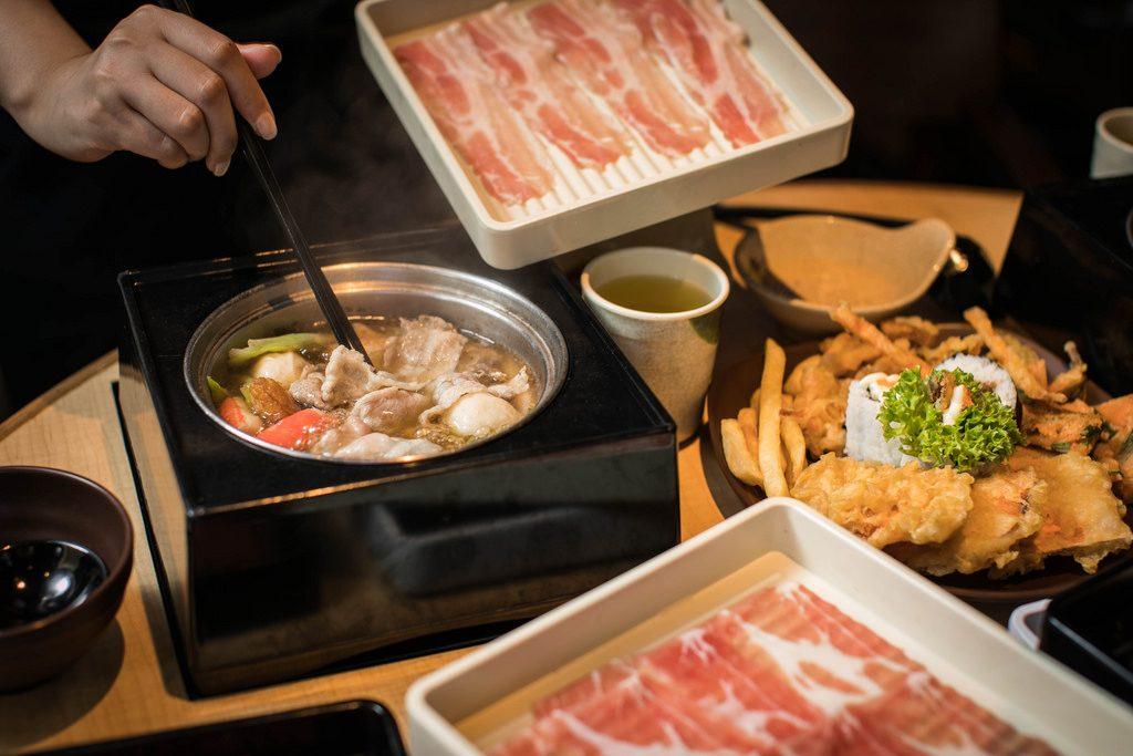 Syabu Syabu Makan Shabu Shabu , Masakan khas Jepang...