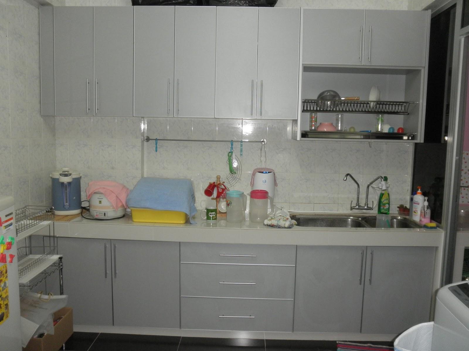 3 Tips Membersihkan Kabinet Dapur Berbahan Melamin